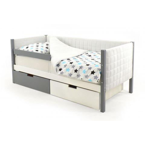 Размер - 165х76х70 см, спальное место - 160x70 см, допустимая нагрузка на спальное место - 200 кг. Материал - массив сосны, эмаль на водной основе